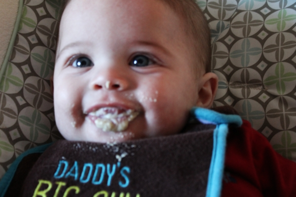 baby grin, baby smile, baby laugh, belly laugh, baby food, baby first food, baby cereal, baby oatmeal, baby picture, beautiful baby picture, gorgeous baby picture, baby photo, beautiful baby photo, gorgeous baby photo, baby model, minnesota baby model,
